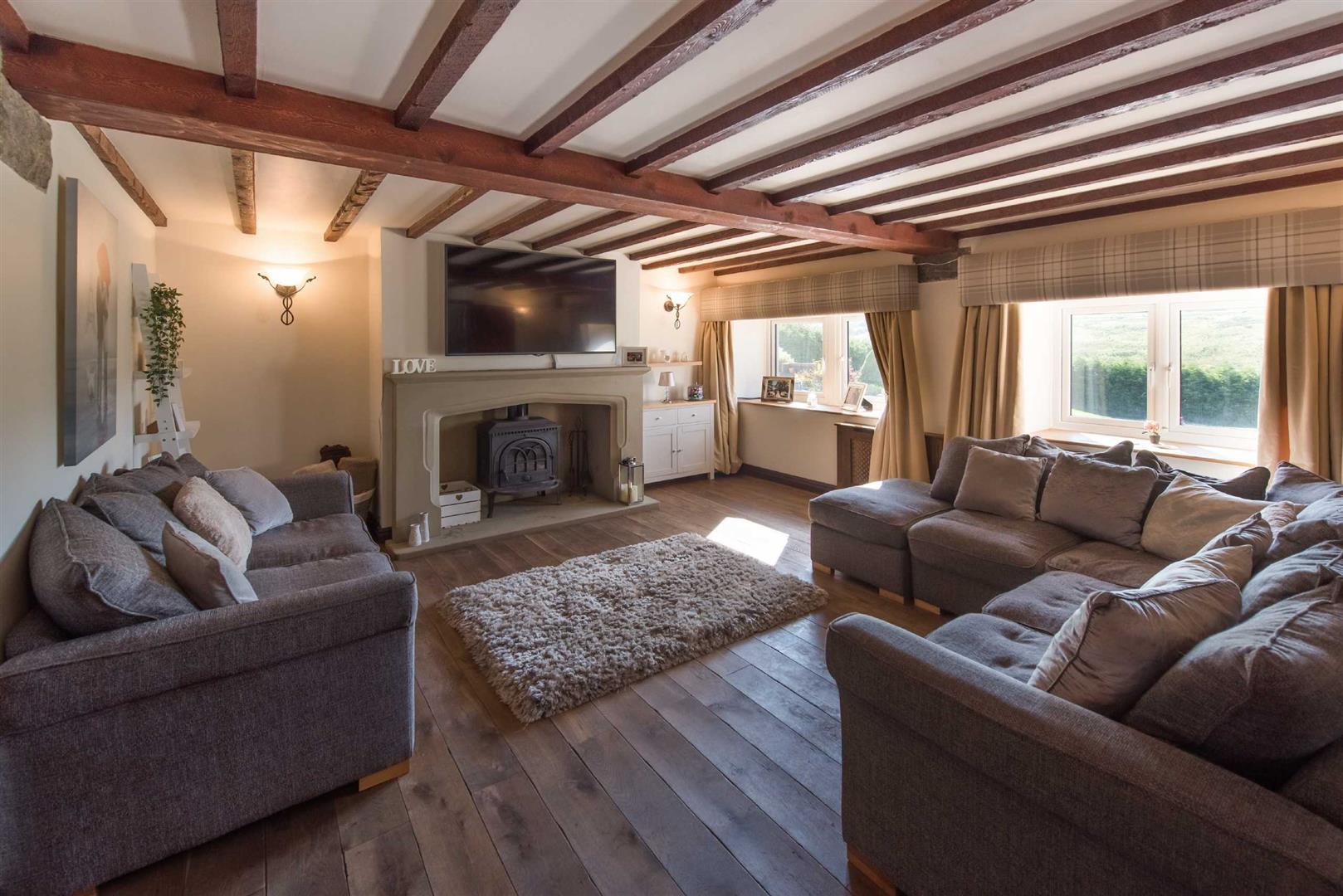 5 Bedroom Link Detached House For Sale - Image 3